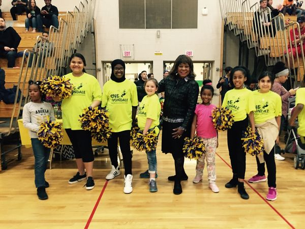 Martha Reeves with the Avondale Cheerleaders at Motown Night